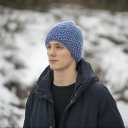 niebieska czapka 100 % wełna rozmiar L