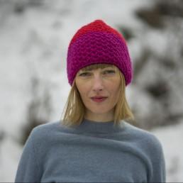 różowo-czerwona czapka 100% wełna